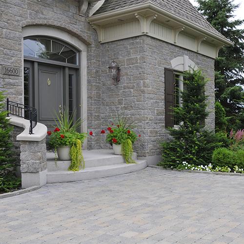 Fa ade tout en pierre cour inspirations jardinage et for Pierre facade exterieur