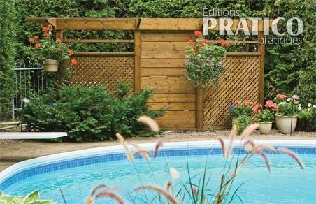 Cran d intimit pour deck de piscine hors terre en c dre for Cloture de piscine hors terre