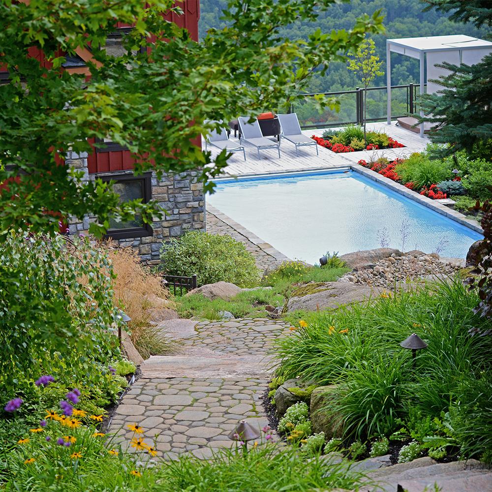 Jardin en montage multig n rationnel cour inspirations for Jardin et jardinage