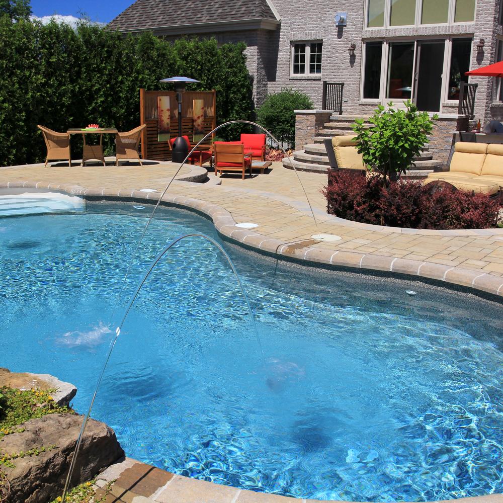 Limonade et ap ro au bord de la piscine cour for Au bord de la piscine tours
