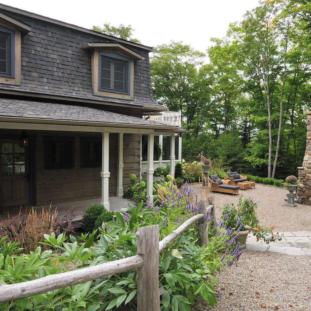 Magnifique jardin de campagne jardin inspirations for Exterieur maison campagne