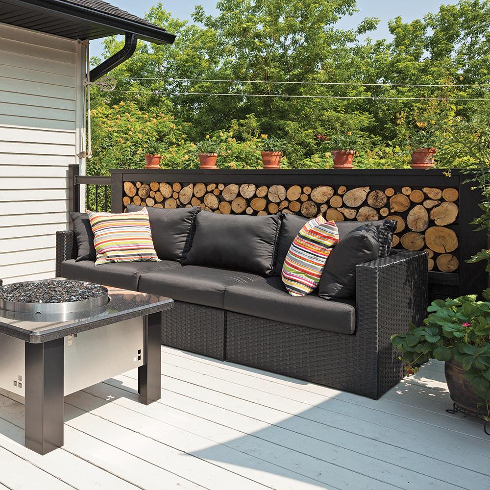 muret de rondins id e originale pour le patio patio. Black Bedroom Furniture Sets. Home Design Ideas