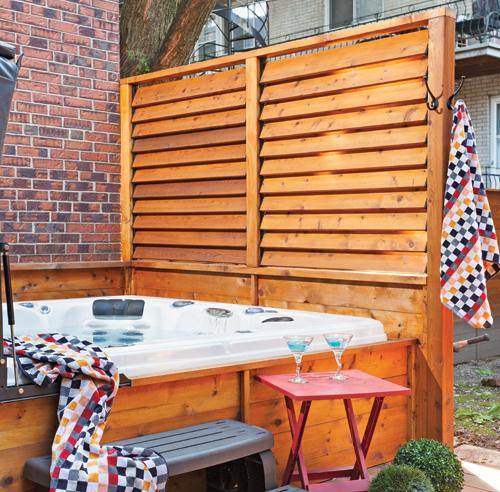 Salle de bain mosaique noir for Idee pour se cacher des voisins