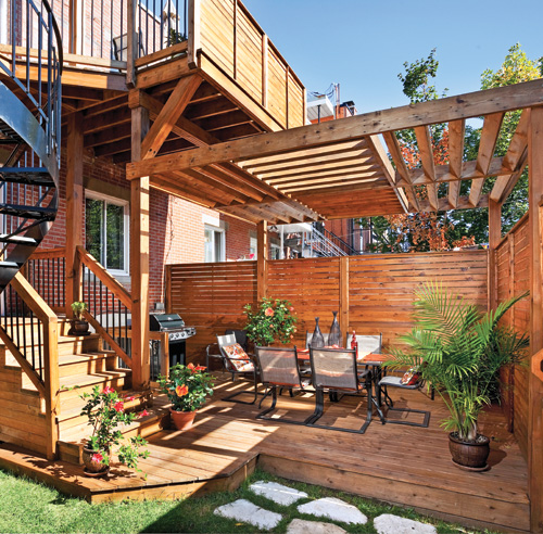 Un jardin secret patio inspirations jardinage et for Patio exterieur arriere