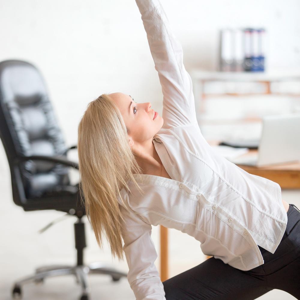 les 10 meilleurs exercices pour bouger au bureau adulte sant sant et famille pratico. Black Bedroom Furniture Sets. Home Design Ideas