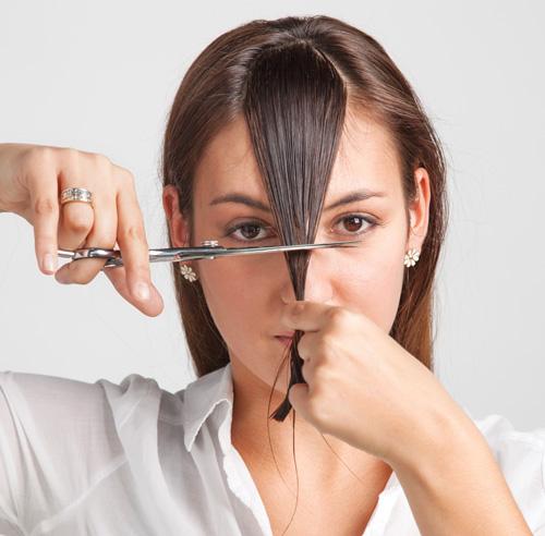 Les magasins des moyens professionnels pour les cheveux moskva