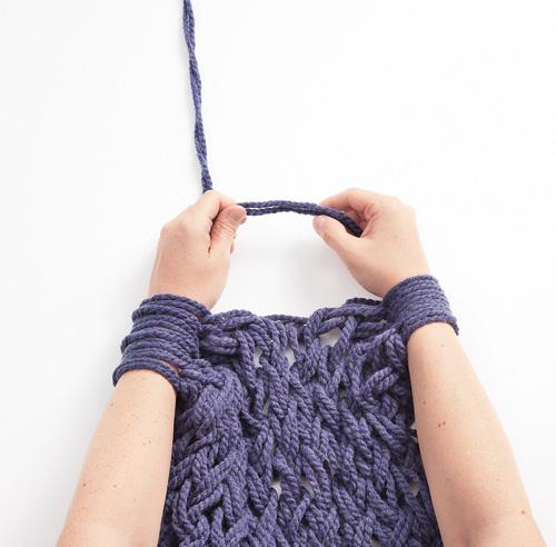Comment tricoter la main - Tricot avec les bras couverture ...