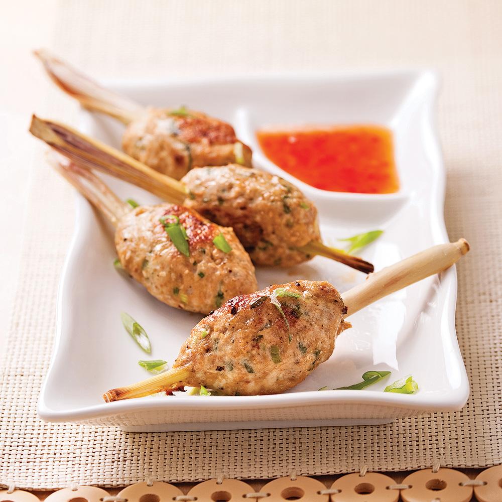 Bouch es de poulet sur b ton de citronnelle recettes for Hors d oeuvre avec saumon fume