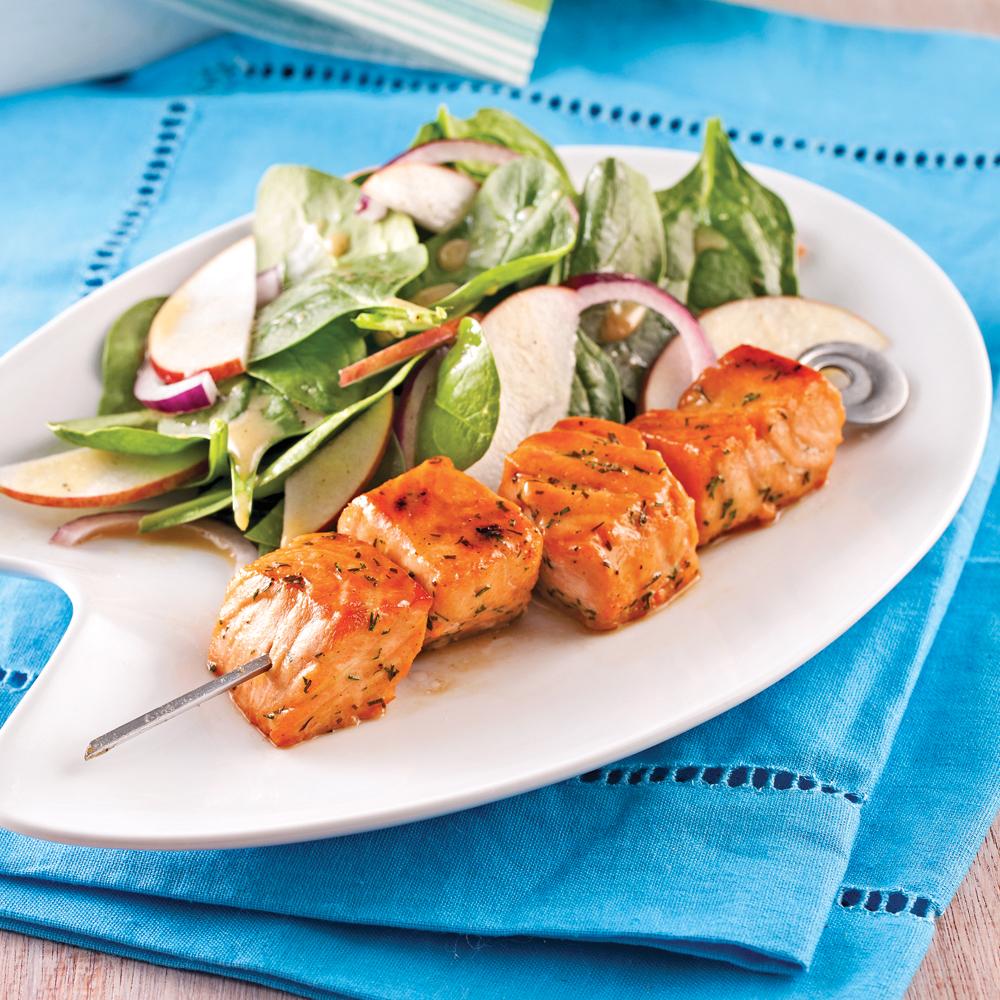 brochettes de saumon caram lis l 39 rable recettes cuisine et nutrition pratico pratique. Black Bedroom Furniture Sets. Home Design Ideas