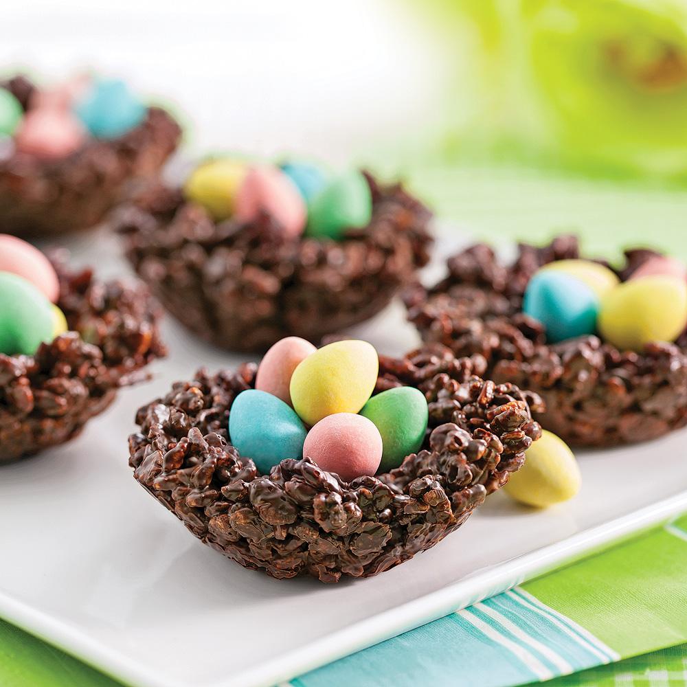 Petits nids croustillants au chocolat et riz souffl recettes cuisine et nutrition pratico - Recette nid de paques au moka ...