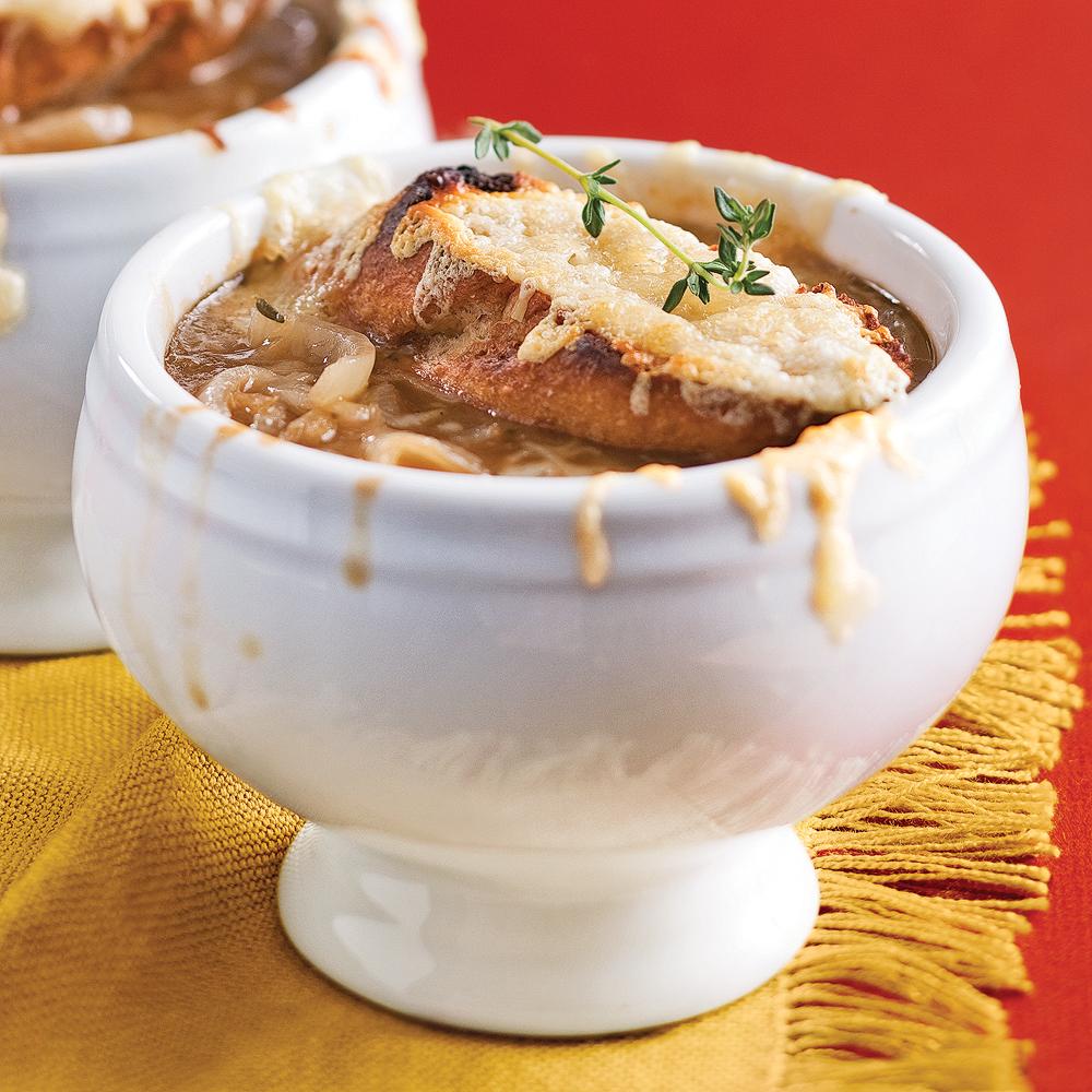 Soupe l 39 oignon gratin e recettes cuisine et nutrition pratico pratique - Soupe a l oignon gratinee ...