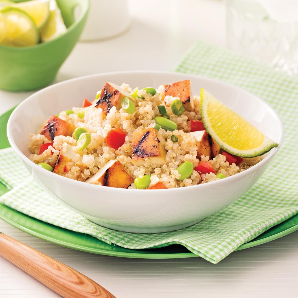 Salade de quinoa et tofu grill l 39 rable soupers de semaine recettes 5 15 recettes - Comment cuisiner le quinoa recettes ...
